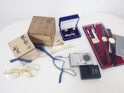 遺品整理(骨董品 タイピン 時計 カメラ 眼鏡)藤沢市大庭