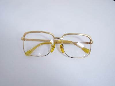 金製 メガネ買取 (金製品 昭和レトロ K18製品)藤沢市天神町