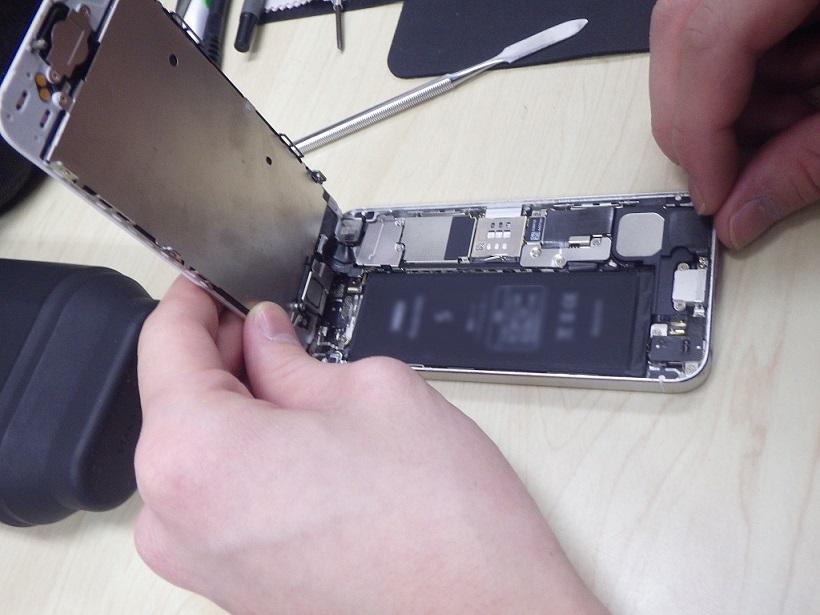 iPhone修理 即日お渡し可能 (藤沢市湘南台)
